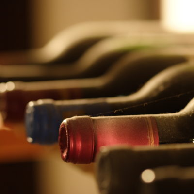 Bottlenecks in the wineshelf